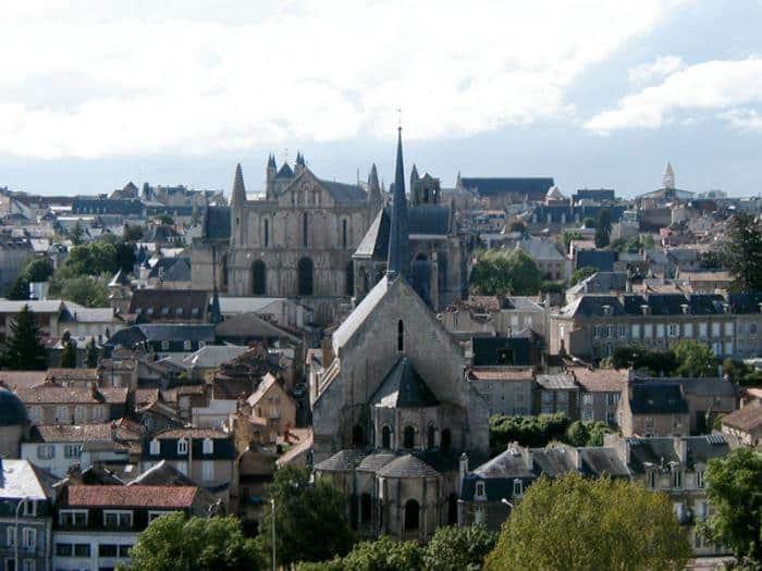 La formation PNL et hypnose à Poitiers